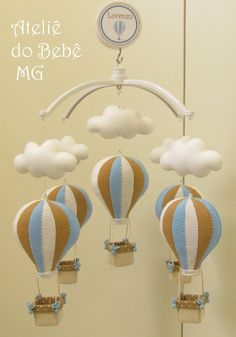 Móbile Musical Balões e Nuvens