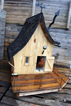The City Chicken will help you get started keeping chickens in your backyard, even if you live in the city. City Chicken, Chicken Barn, Chicken Houses, Chicken Ideas, Dog Houses, Play Houses, Bird Houses, Keeping Chickens, Raising Chickens