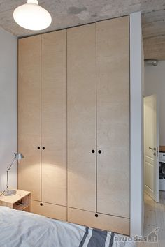 Cool closets with raw wood Scandinavian modern style Foyer and Entryway Ideas Cl. Cool closets with raw wood Scandinavian modern style Foyer and Entryway Ideas Cl… Cool closets w Scandinavian Modern, Plywood Furniture, Furniture Design, Casa Patio, Wardrobe Design Bedroom, Interior Decorating, Interior Design, Built In Wardrobe, Raw Wood