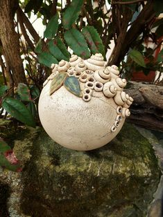 A beautiful garden ball as decoration for house entrance, garden or terrace. Garden Balls, House Entrance, Gourd Art, Pottery Studio, Sculpture Clay, Clay Pots, Hanging Planters, Art Object, Clay Crafts