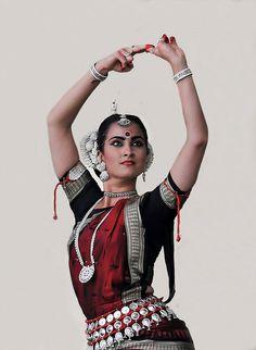 Odissi-Costume in my favorite colors. Yum! Sitara Thobani | Odissi Dancer (Classical Dance Form of India)