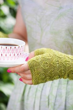 Knitting Pattern: Elsa by Kamilla. Malabrigo Lace in Lettuce colorway.
