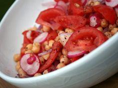 Salada de Grão-de-Bico, Tomate e Rabanete