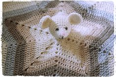 Instructions for a crocheted Schnuffeltuch with mouse - DIY- Schmusetuch Source by Crochet Lovey, Wire Crochet, Manta Crochet, Baby Knitting Patterns, Crochet Blanket Patterns, Giant Knitting, Loom Knitting, Easy Knitting, Knitted Baby Blankets