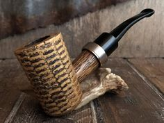 Tobacco Pipe Smoking, Tobacco Pipes, Smoking Pipes, Corn Cob Pipe, Corn On Cob, Cool Pipes, Briar Pipe, Cigar Room, Pipes And Cigars