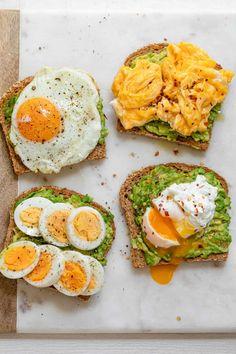 Healthy Breakfast Snacks, Quick Breakfast Ideas, Avocado Breakfast, Protein Packed Breakfast, Diet Breakfast, Breakfast Recipes With Eggs, Breakfast Toast, Breakfast Smoothies, Plats Healthy