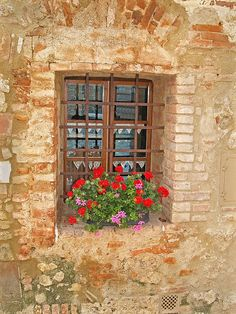 Tuscany . . . the look I want for my courtyard in my dream home :)