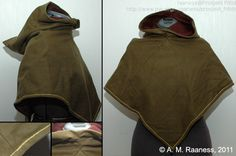 Rettsiden/ a square on front and back a rectangle runs up the sides, makes the hood