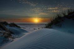 Het rijtje van Boeksz is vandaag samengesteld door Henk van Hoek van @clickallday ... ik ben altijd op zoek naar een mooie foto. Dieren,… Celestial, Sunset, Outdoor, Outdoors, Sunsets, Outdoor Games, Outdoor Life, The Sunset