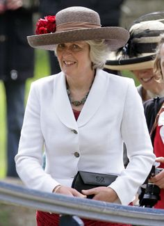 The royal couple shared the joy of the Prince's cousin Emily McCorquodale and her groom James Hutt. Lady Jane Fellowes attended the wedding. Princess Diana Sisters, Princess Diana Death, Princes Diana, Royal Princess, Prince William And Harry, Kate Middleton Prince William, Prince Harry, Spencer Family, Lady Diana Spencer