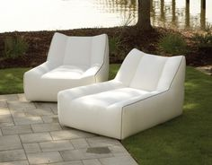 Lee Industries outdoor collection brings a new standard of beauty and function to outdoor living from sofas and loveseats, chairs, swivel & glider chairs, relaxors, sectionals, ottomans & benches to chaises. The fully upholstered outdoor furniture is built to withstand the natural outdoor elements.