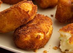 Potato Croquettes Recipe : Paula Deen : Food Network - What to do with leftover mashed potatoes! Croquettes Recipe, Potato Croquettes, Chicken Croquettes, Leftover Mashed Potatoes, Mashed Potato Recipes, Potato Cakes, Potato Meals, Potato Food, Cheesy Potatoes