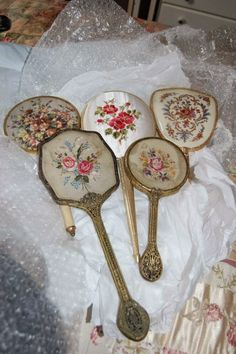 sidmouth poppy :~ vintage hand mirrors