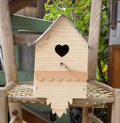 Nichoir bois et toiture zinc ouverture coeur frise festonnée : Accessoires de maison par rouge-lin-et-bois