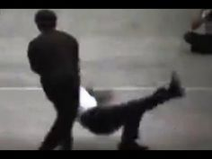 Bruce Lee old footage, showing his fighting skills and rapidity. - YouTube