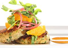 These Thai-spiced crab cakes are absolutely packed with flavour from the chilli, ginger, coriander and lime juice. Serve them with a zingy mango salsa and a big side salad. Epicure Recipes, Seafood Recipes, Healthy Recipes, Yummy Recipes, Yummy Food, Delicious Meals, Healthy Meals, Healthy Food, Dinner Recipes