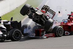 #Formula1 in Spa-Francorchamps Romain Grosjean, Fernando Alonso and Lewis Hamilton are taken out in a spectacular first corner crash