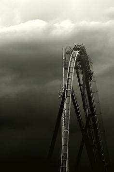 Black and white photography – Roller Coaster Black N White, Black White Photos, Black And White Photography, Amazing Photography, Art Photography, Rule Of Thirds Photography, Monochrom, Jolie Photo, Great Photos