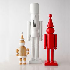 Modern Christmas Decor :: Easy to DIY - find cheap nutcrackers and paint a solid color.  Fun update on a classic!