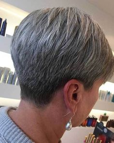Short Haircut for Older Women #shorthaircuts #shorthaircutsideas #shorthairstyles #crazyforus #shorthairstylesideas #olderwomenlooks #olderwomenshairstyles