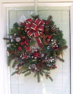 25 Off Christmas Wreath / Woodland Cardinals by dewdropdaisies, $39.00