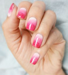 Nail Art: How To Sparkly Pink Ombre Manicure Latest Nail Designs, Pretty Nail Designs, Shellac Nails, My Nails, Trendy Nails, Cute Nails, Grunge Nail Art, 2015 Nail Trends, Pink Ombre Nails