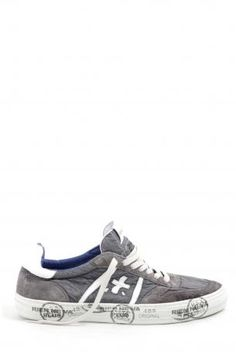 White Premiata shoes - sneakers Chris 624 grigio chiaro (light grey) - Men's Shoes - White Premiata shoes. Sneakers made in suede and canvas in grey color, with details and logo in white leather. Rubber sole. Inside lined in leather, removable leather insole. Closure laces. Sneakers Collection White Premiata Spring Summer 2013.