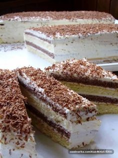"""Recept za ovaj jeftin i izdašan kolač je iz knjige """"Jugoslavenski kolači"""" iz 1987.g.  SASTOJCI  TIJESTO  25 dag brašna  20 dag šećera  4 ..."""