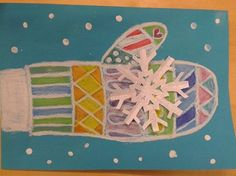 Lapanen liiduilla (vaha, kuivapastelli, öljypastelli) ja sitten pullopeitevärillä lumi ja hiutale leikataan paperista ja liimataan työhön.
