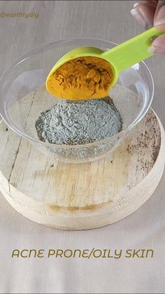 n this video we will show you guys how to make 3 simple clay based powered face masks. These facemasks can be used for acne-prone/ oily, sensitive and dry skin. diy facemasks, bentonite clay face mask, french clay face mask. facemasks for clear skin, facemasks for sensitive skin, how to make a facemask, homemade face masks, face masks for clear and glowing skin, diy skincare, organic skincare, oatmeak for skin, oatmeal facemask diy, moringa, burdock root, clay for skin, remove toxins from skin Facemask Homemade, Homemade Face Masks, Homemade Skin Care, Homemade Beauty Products, Diy Skin Care, Diy Face Mask, Skin Care Tips, Beauty Tips For Face, Health And Beauty Tips