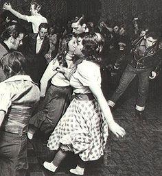 That's the way! Teddy Girl, Teddy Boys, Happy Days Theme, Bobby Socks, Teenage Wasteland, American Graffiti, Sock Hop, Graffiti Styles, Rhythm And Blues