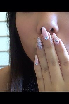 Heart outline nail art tutorial...love the color & design, the sharp shape....not so much.