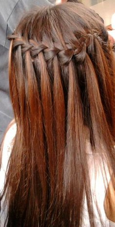 Trenza cascada en mi amiga :) Bobby Pins, Hair Accessories, Dreadlocks, Hair Styles, Beauty, Waterfall Plait, Waterfalls, Hair Plait Styles, Hair Makeup