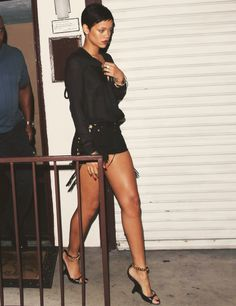 Rihanna awesome pair of legs <3