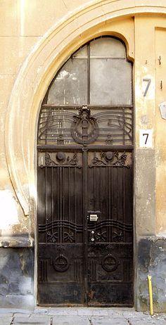 File:7 Kniazia Sviatoslava Square, Lviv (03).jpg - Wikimedia Commons