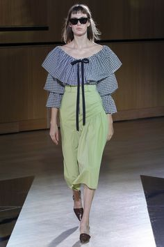 See the complete Rejina Pyo Spring 2018 Ready-to-Wear  collection.