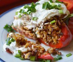 papryka faszerowana Quesadilla, Mozzarella, Lunch, Beef, Ethnic Recipes, Food, Meals, Quesadillas, Lunches