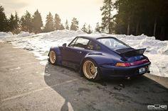 Porsche 911 RWB.