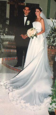 Vestido de novia, lo hice para mi nieta Marcela.