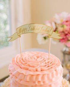 Londons lovely tea party birthday featured on On to Baby. Photographs by Kirsten Julia Photography.