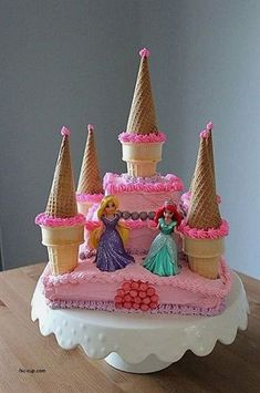 Throwing a Disney Princess party without spending weeks in the kitchen. Planning a Disney Princess party doesn't have to be as painful as kissing a frog. We have everything you need in one place to throw a Disney Princess party. Disney Princess Birthday Party, Disney Princess Party, Birthday Cake Girls, Princess Castle, 4th Birthday, Birthday Ideas, Easy Princess Cake, Birthday Crowns, Princess Theme Cake