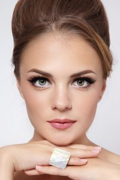 One of my favourite hooded eye make up.