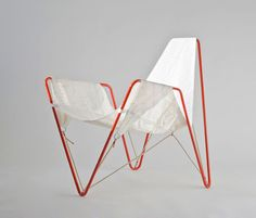 dvelas reusail project recycles discarded sails in trimmer chair - designboom | architecture & design magazine