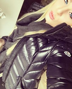 This girl is looking so sexy in her Down Suit, Down Puffer Coat, Puffy Jacket, Jacket Style, Moncler, Trendy Fashion, Women's Fashion, Cool Girl, Leather Pants
