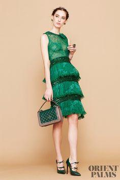 Georges Hobeika - Fall-Winter Ready-to-Wear Collection Georges Hobeika, Fall Winter 2017, Winter Mode, Green Fashion, High Fashion, Style Vert, Feather Dress, Festival Dress, Fashion 2017