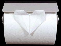 東大生の折り紙サークル「Orist(オリスト)」が考案したハート型のトイレットペーパー折り紙。 今では、静岡の林製紙株式会社が折り方の図解入りトイレットペーパーを発売したため、一般人でも作ることができる。 とはいえ、トイレに入った時によくトイレットペーパーの先が折ってあるアレのノリでこれがあっても困る。