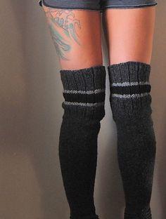 Ravelry: Everlong pattern by Lisa Mutch - long knitted legwarmers FREE pattern (hva) Crochet Shoes Pattern, Crochet Socks, Shoe Pattern, Knitting Socks, Knit Crochet, Knit Socks, Pattern Library, Knitting Patterns Free, Knit Patterns