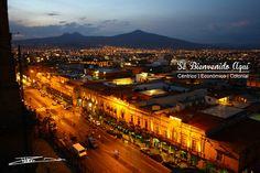 Con una vista única desde la Cátedral de #Morelia te deseamos buenas  noches!  Esta #Navidad y siempre... #SéBienvenidoAquí
