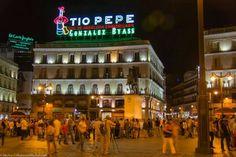 Puerta DEL  SOL inauguración CARTEL TIO PEPE callejeandomadrid