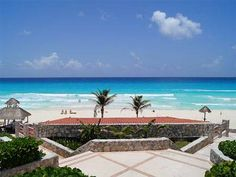 Apartment Ocean Front Cancun Canc�n Offering an outdoor and sun terrace, this Apartment Ocean Front Cancun is situated in Canc?n in the Quintana Roo Region. 1.3 km from Coco Bongo. There is a water park on site and guests can enjoy the on-site restaurant. La Isla Shopping Mall is 2.